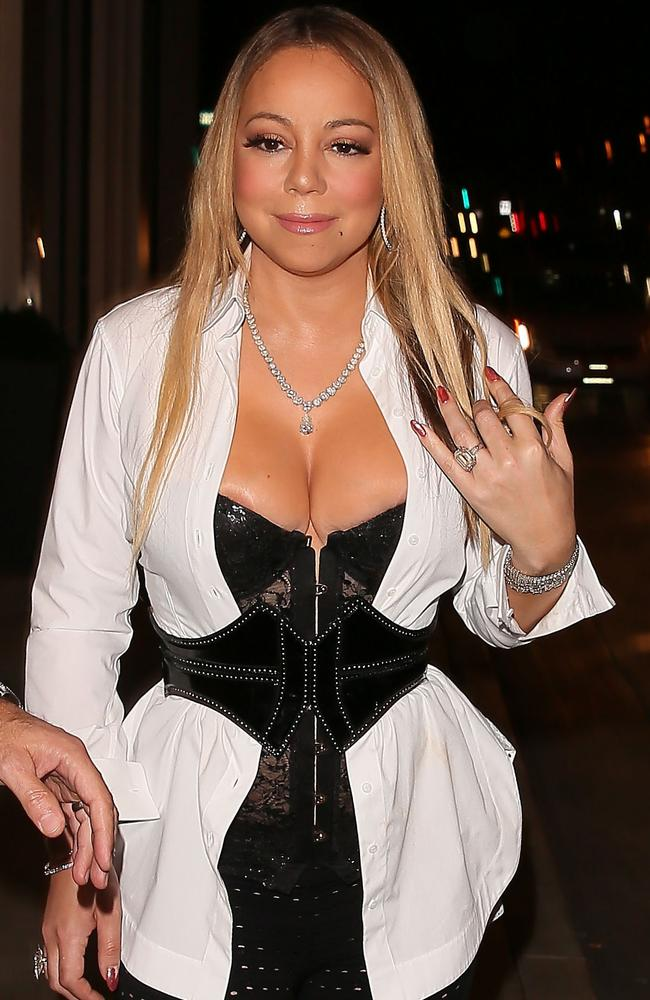 Mariah carey nipple slips