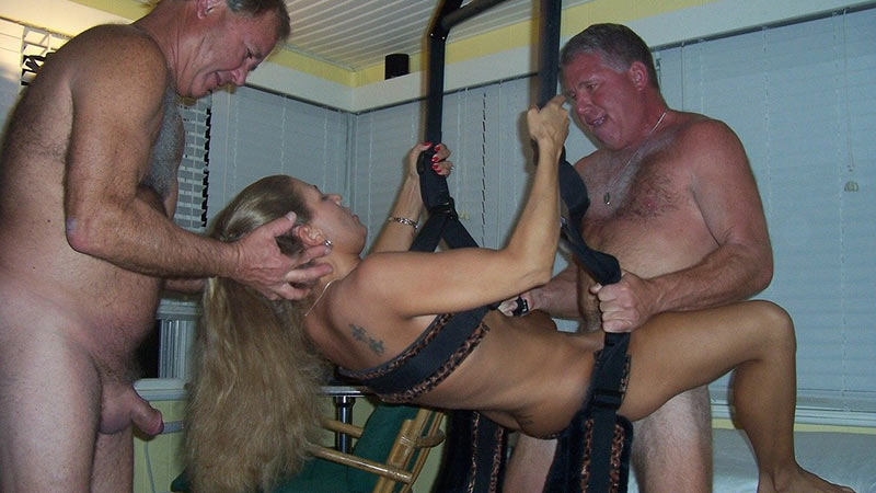 sex Mature swing couple in a