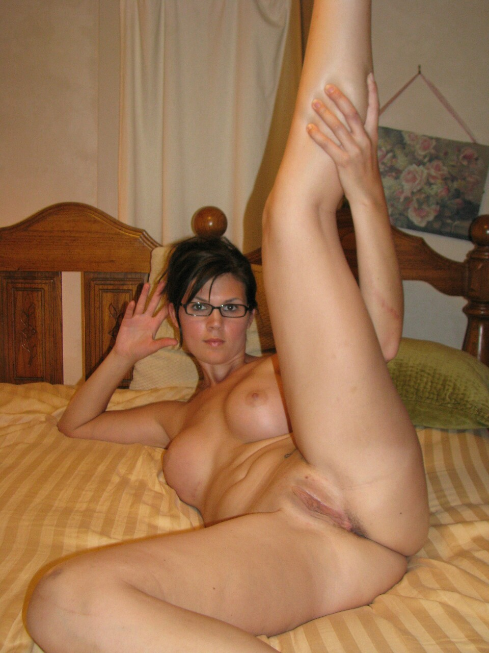 Nudes spread hot leg