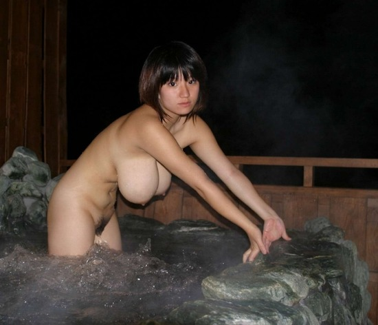 nude Japanese big boobs