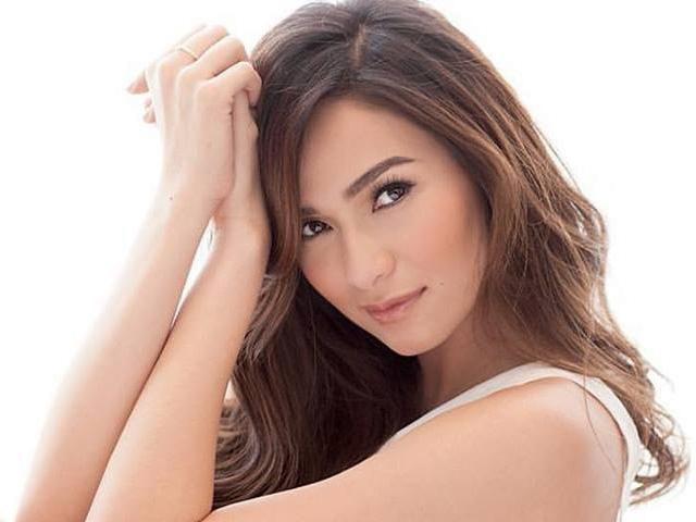 Young filipina actress