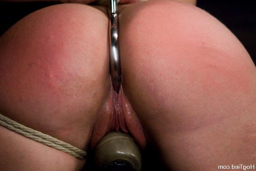 butt plug Upskirt