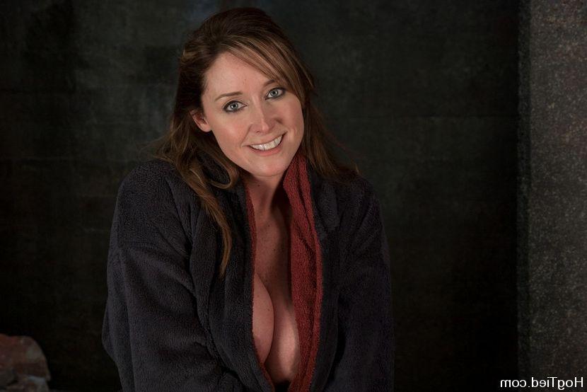 Jennifer love hewitt ever nude
