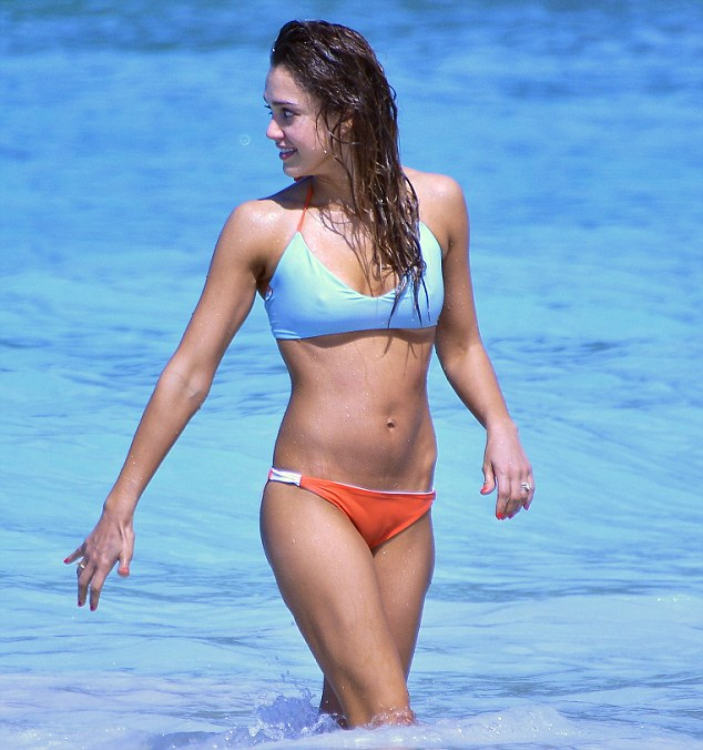 Hot jessica alba bikini into the blue