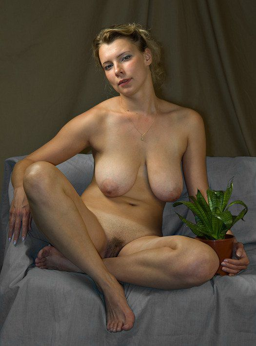 home nude at Nudists