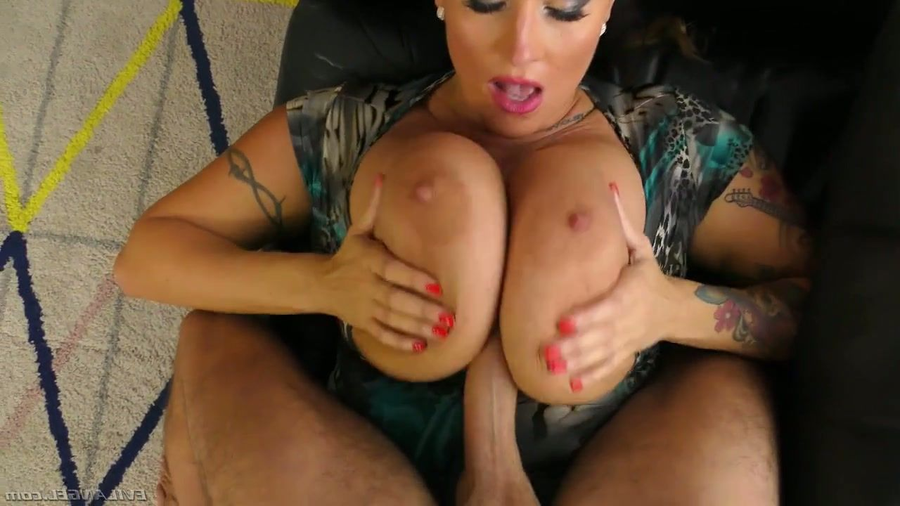 Girls licking cum from pussies