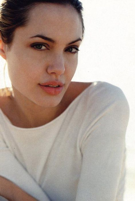 Celebrities pictures angelina jolie pussy