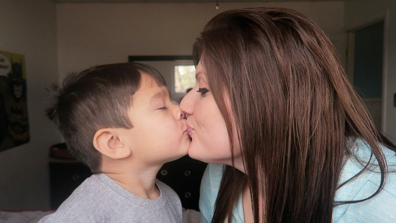 moms Milf girls kiss