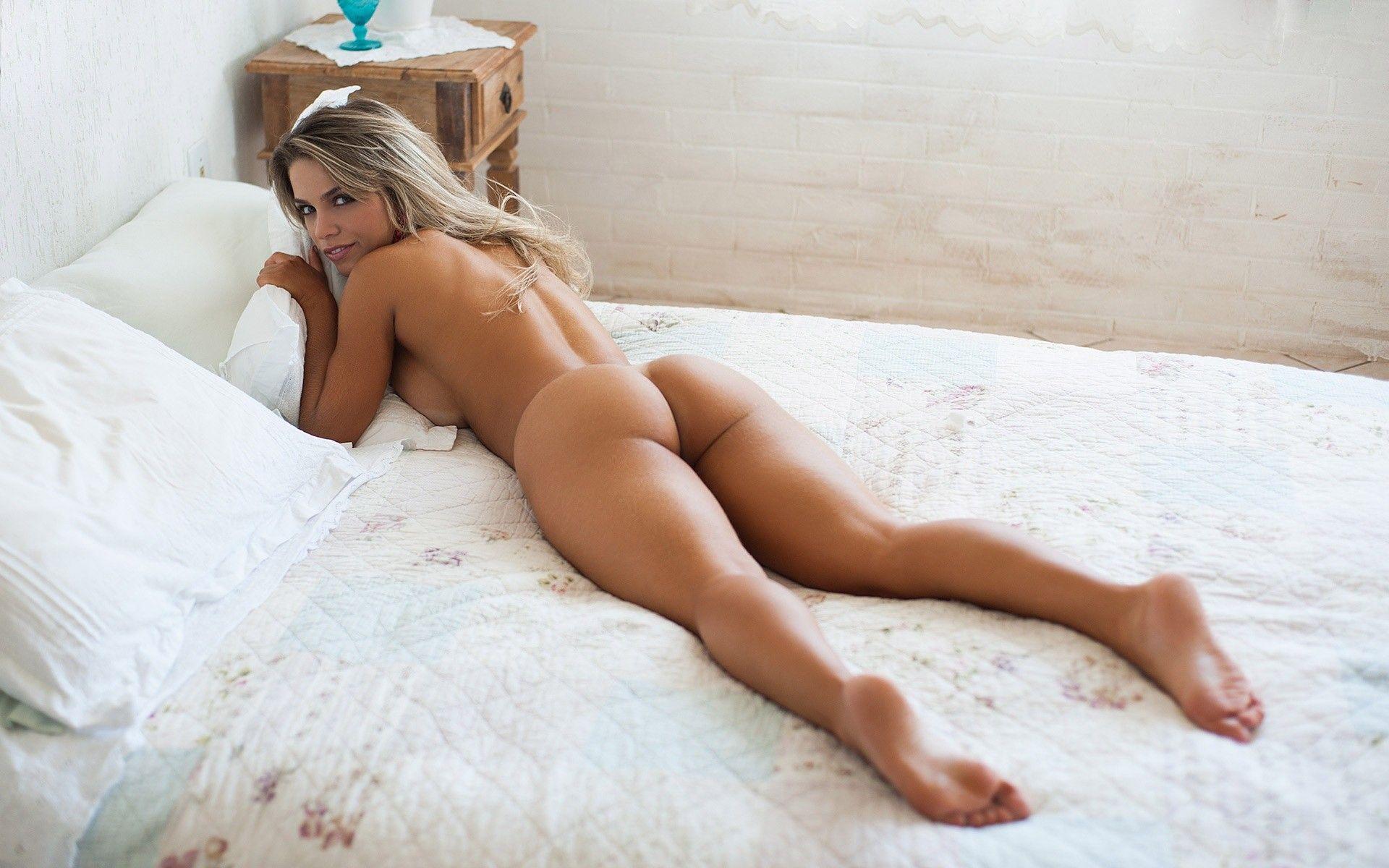 Explicit glamour porn wallpaper