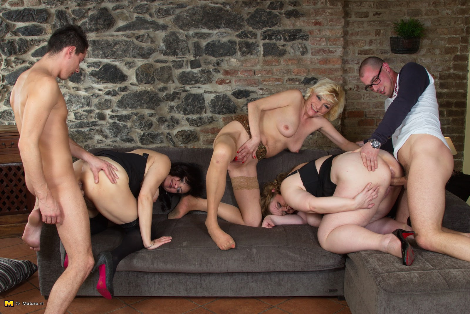 nude women in group sex-porn tube