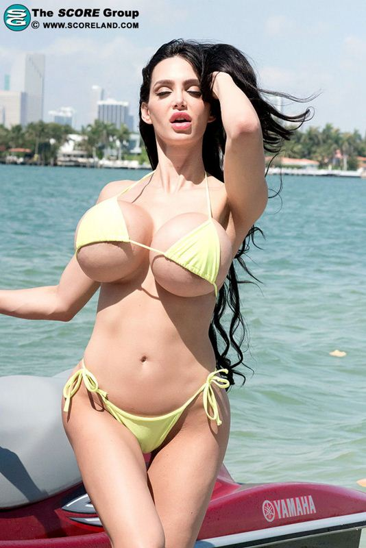 boobs Amy anderssen