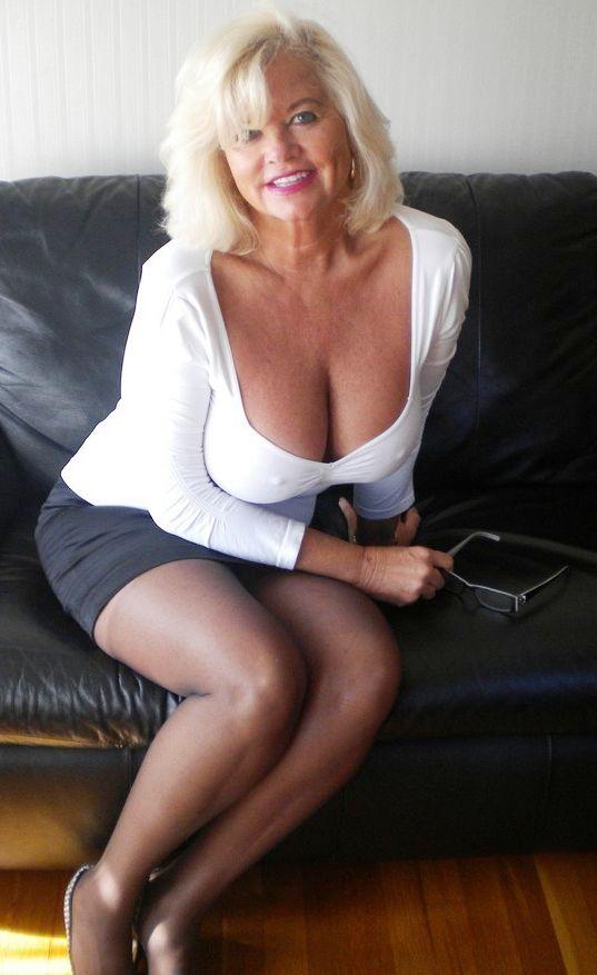 Curvy mature women next door amateur