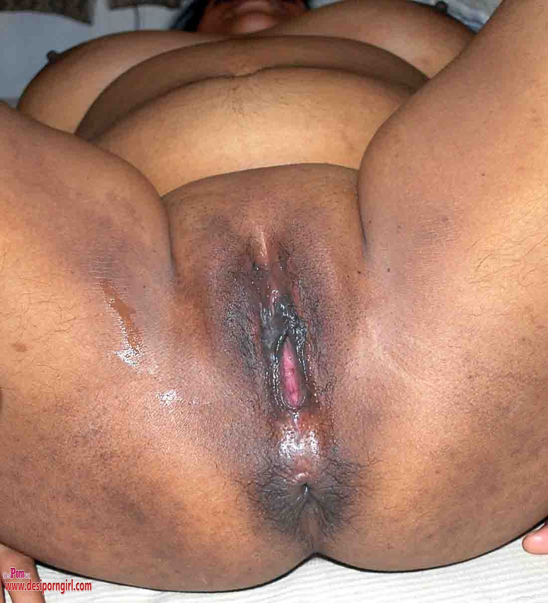 Desi indian aunty big ass hairy pussy