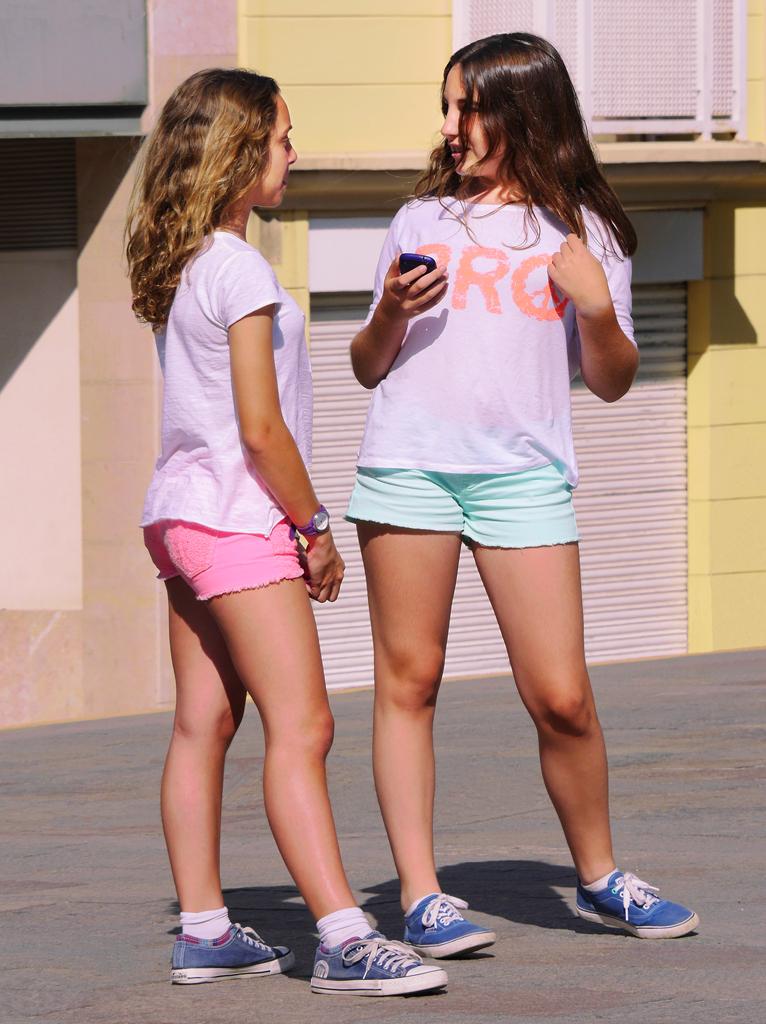 Candid teen girls