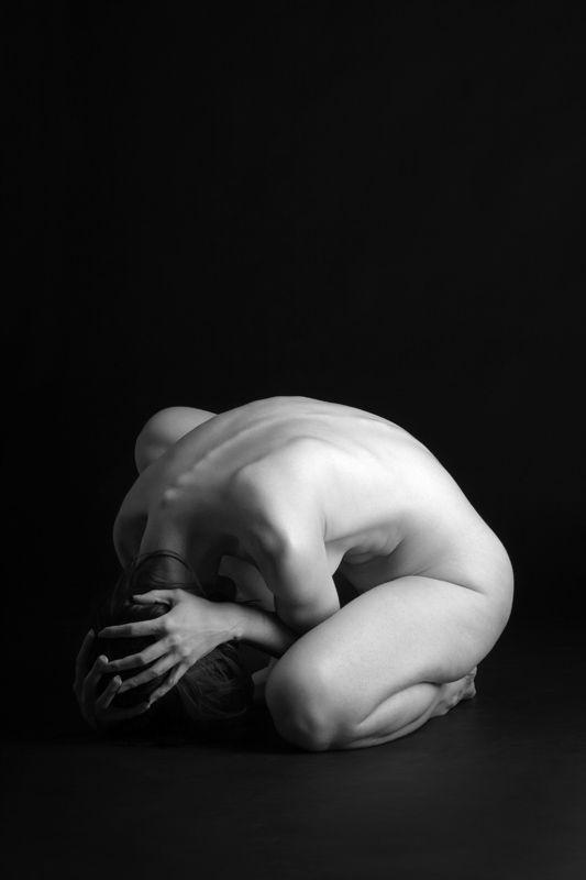 B w nude art photography woman