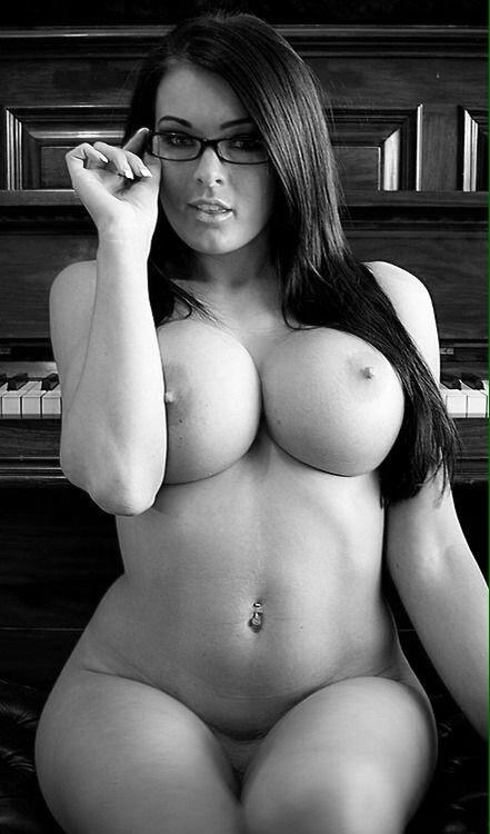 Naked women big boobs