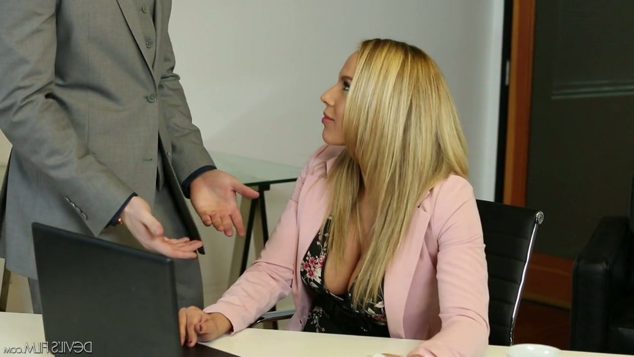 simon porn Karlie
