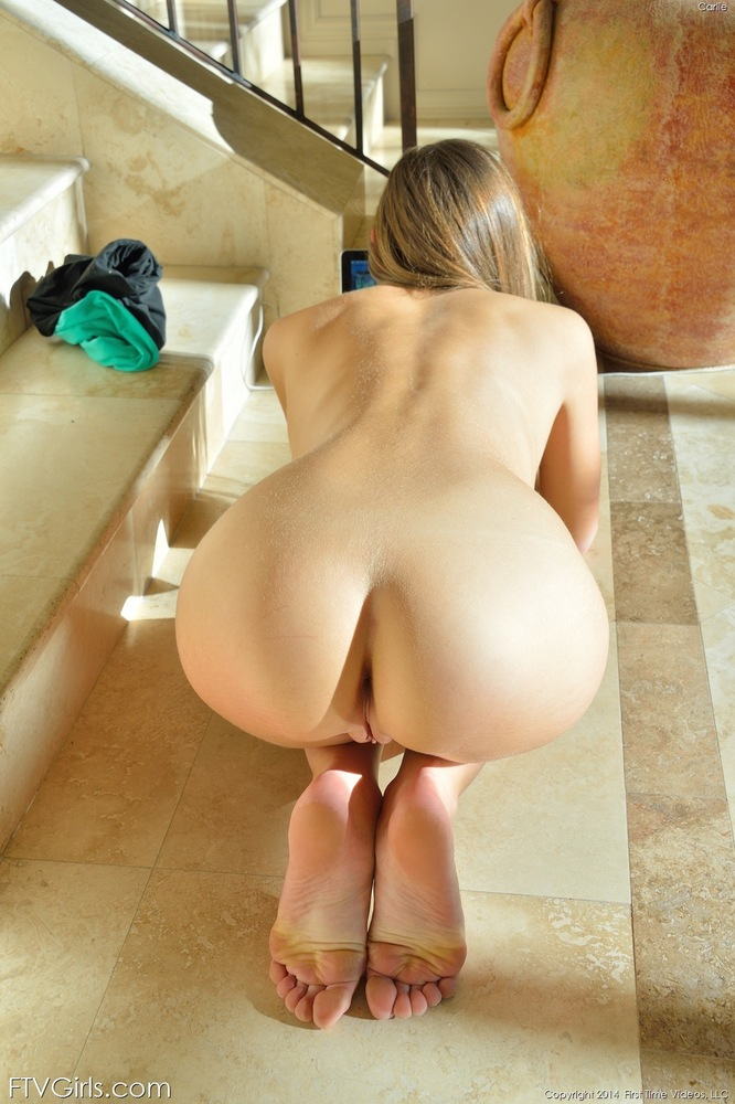 Nude yoga ass