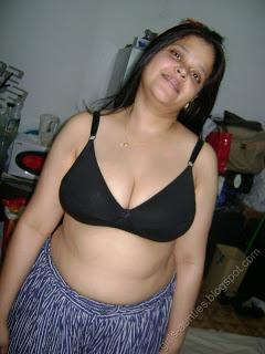 aunty bra Desi