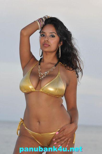 Hot indian aunty bikini