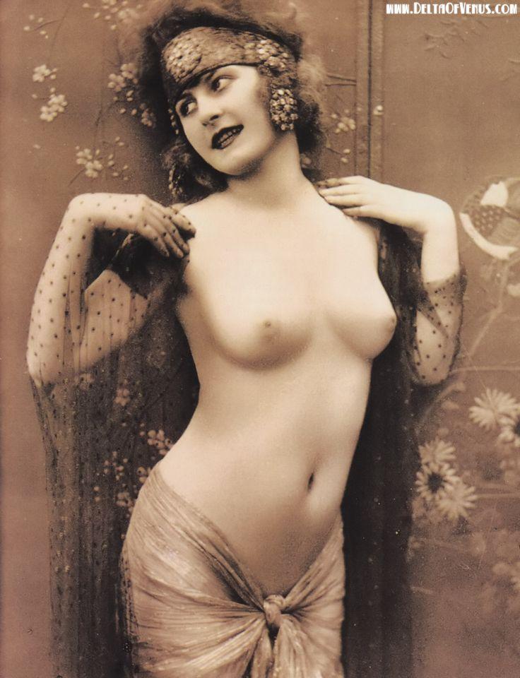 Nude vintage erotica