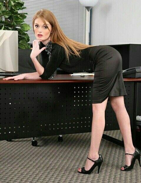 Faye reagan short skirt