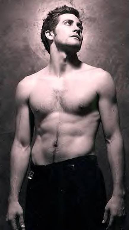 shirtless Jake gyllenhaal