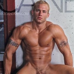 Muscle man gay porn