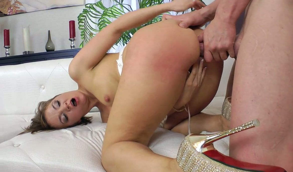 Bdsm wired pussy