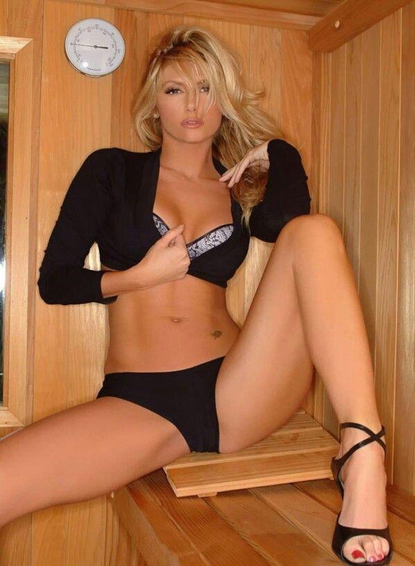 spread legs Hot blonde