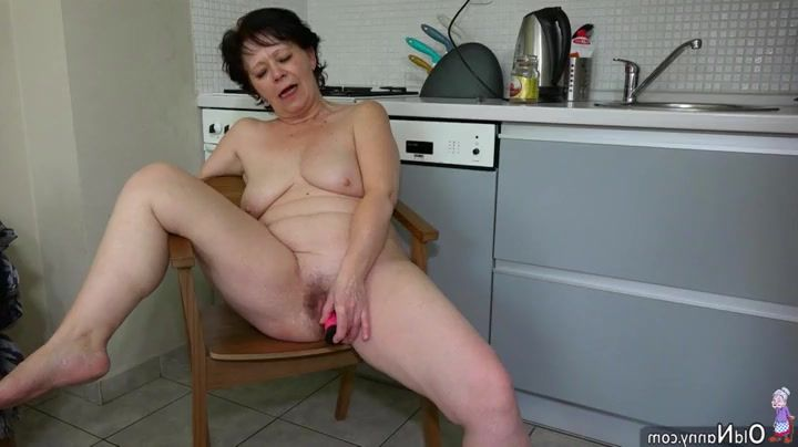 Plus size girls nude tits