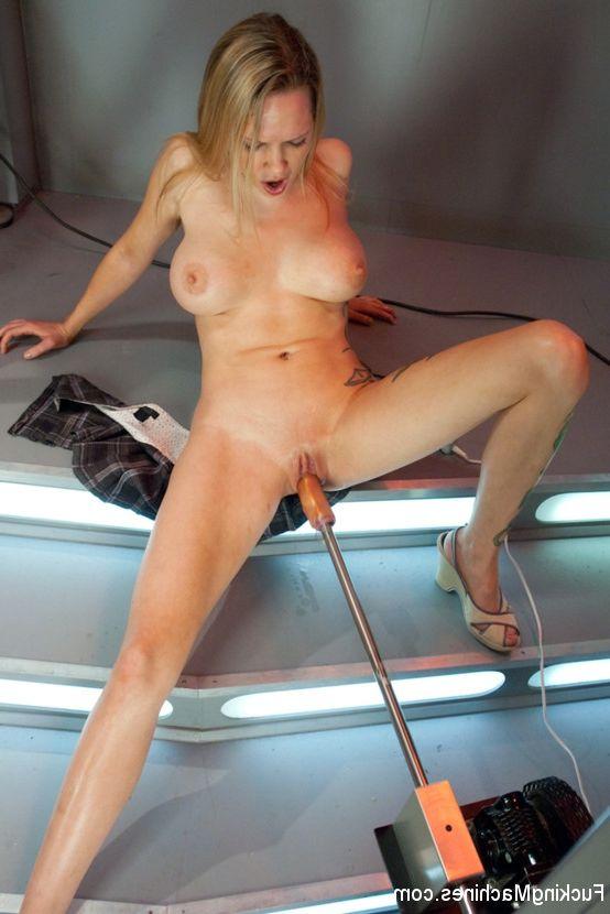 women Mature posing naked amateur