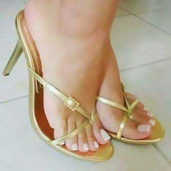 Feet in platform heels pornstar