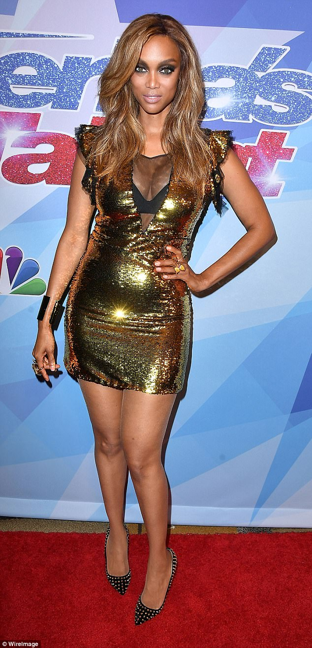 Next top model tyra banks cleavage