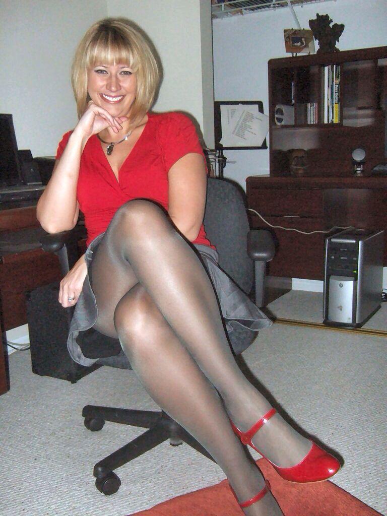 sluts secretary Mature pantyhose