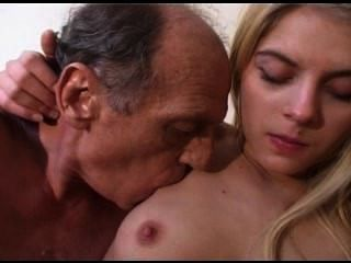 Nude pussy outdoor sex