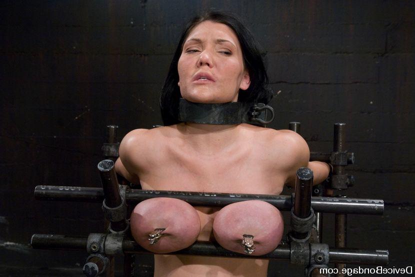 Sara stone boobs