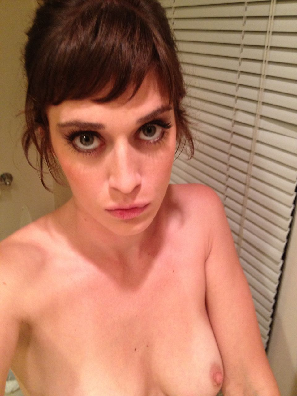 Lizzy caplan nude naked leaked