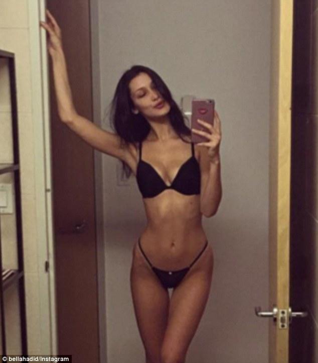 Milfs sexy lingerie selfie