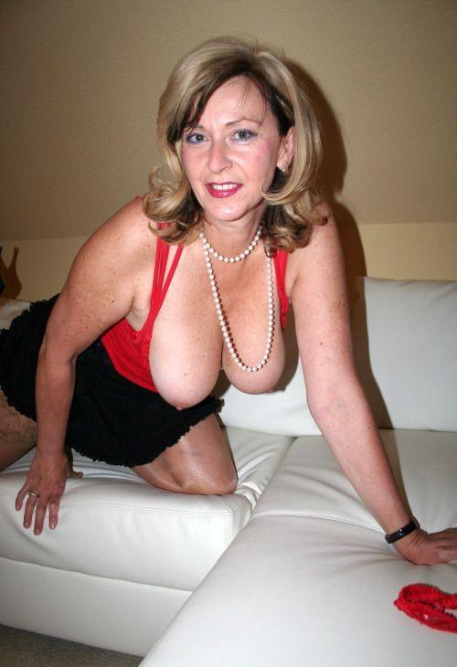 Gorgeous amateur mature big tits