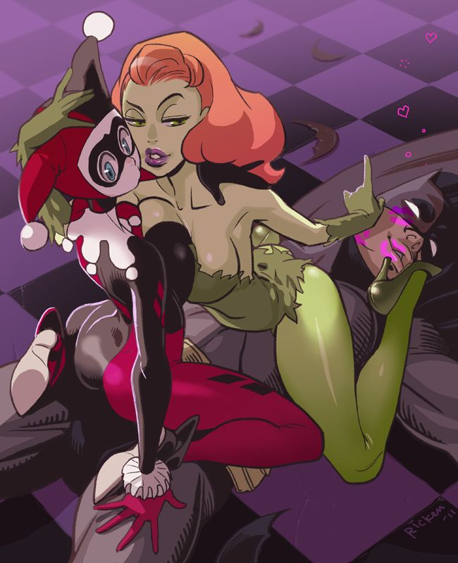 Harley and ivy kiss naked, blonde girl shitting herself
