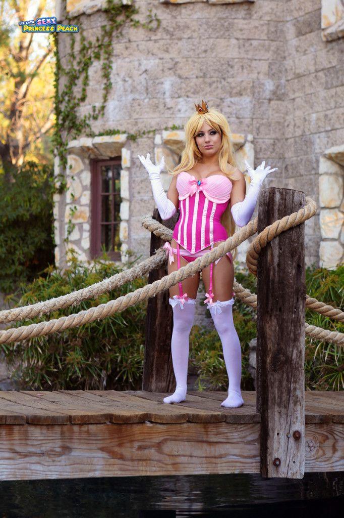 Liz katz sexy princess peach cosplay