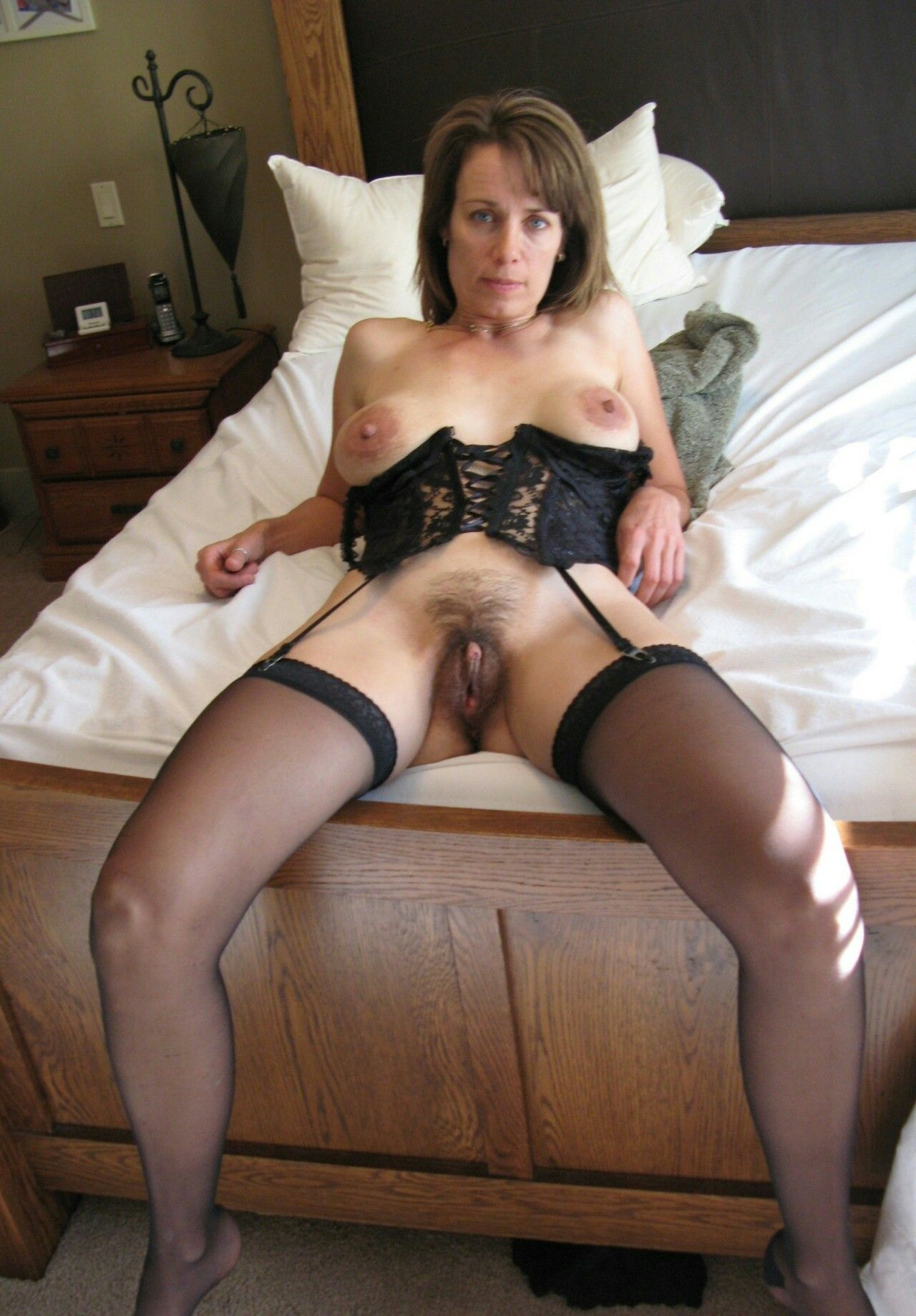 mom gallery aged hairy Middle
