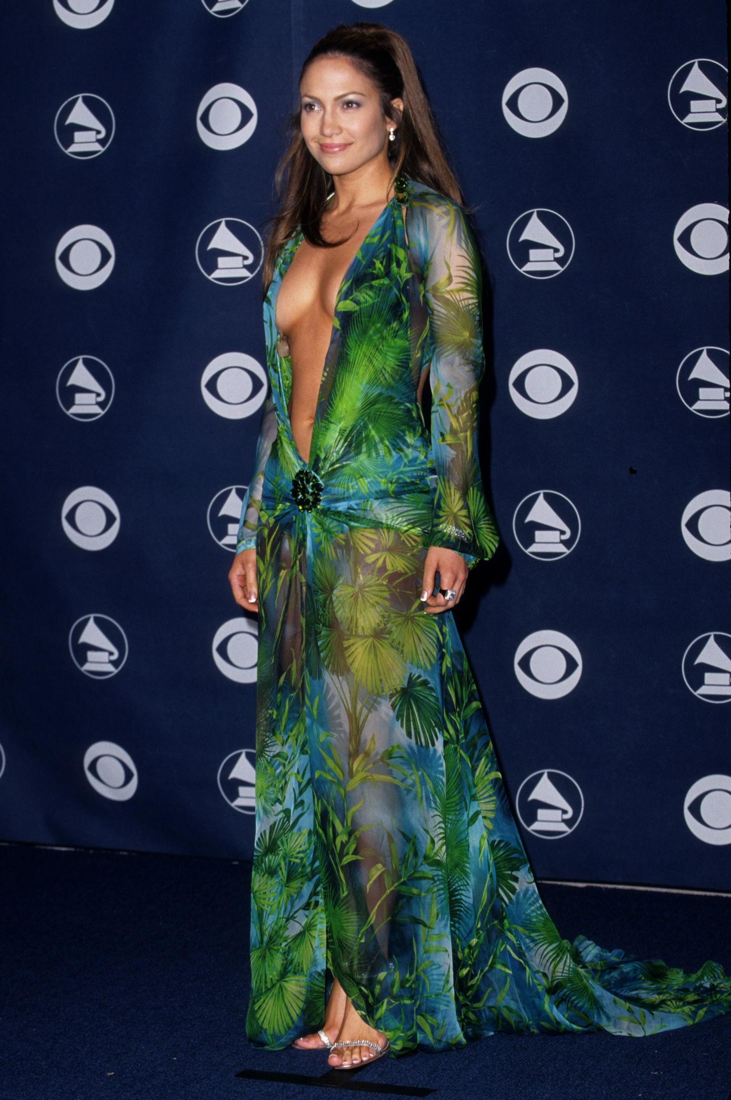 grammy dress lopez Jennifer