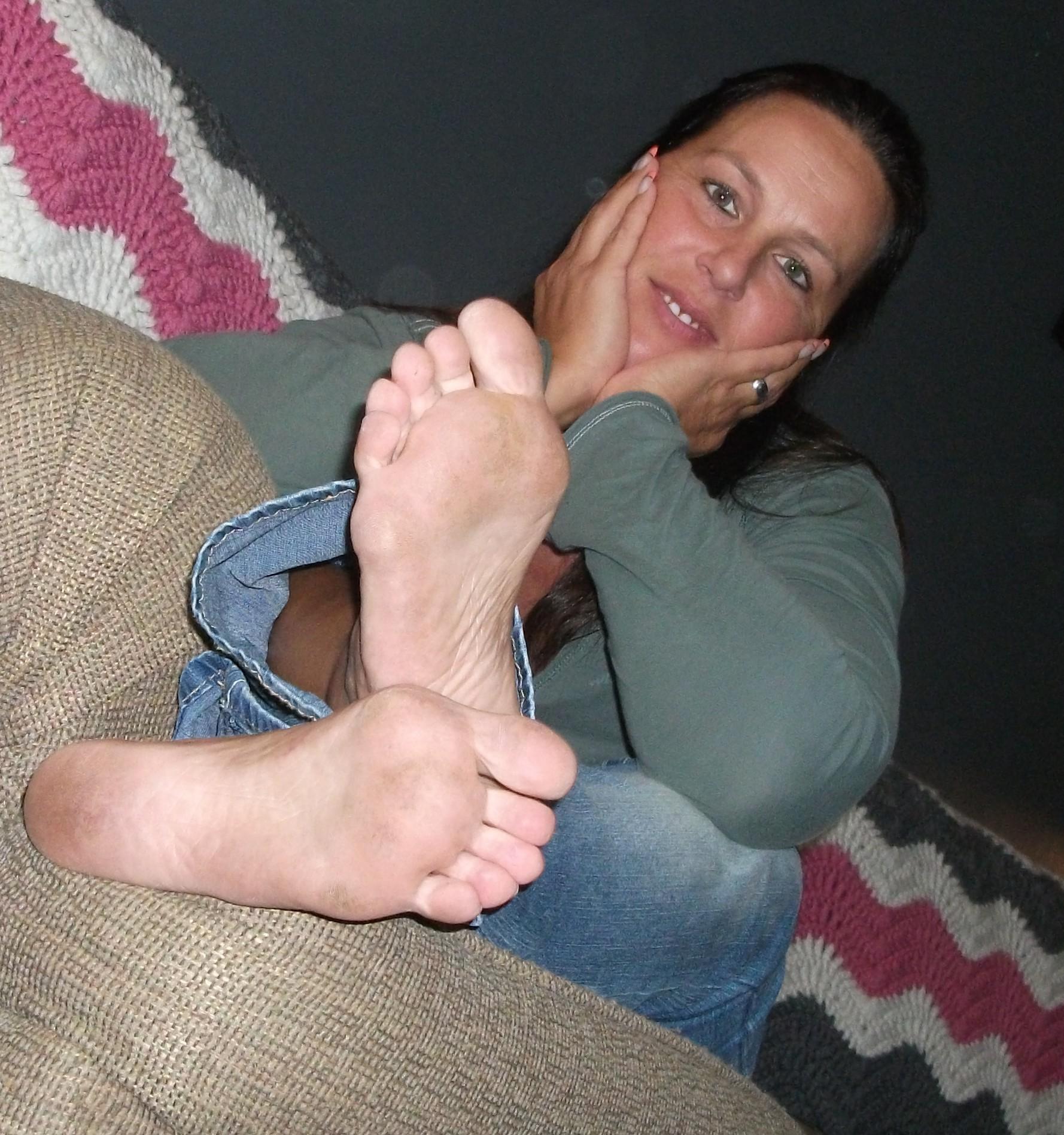 Mature feet fetish