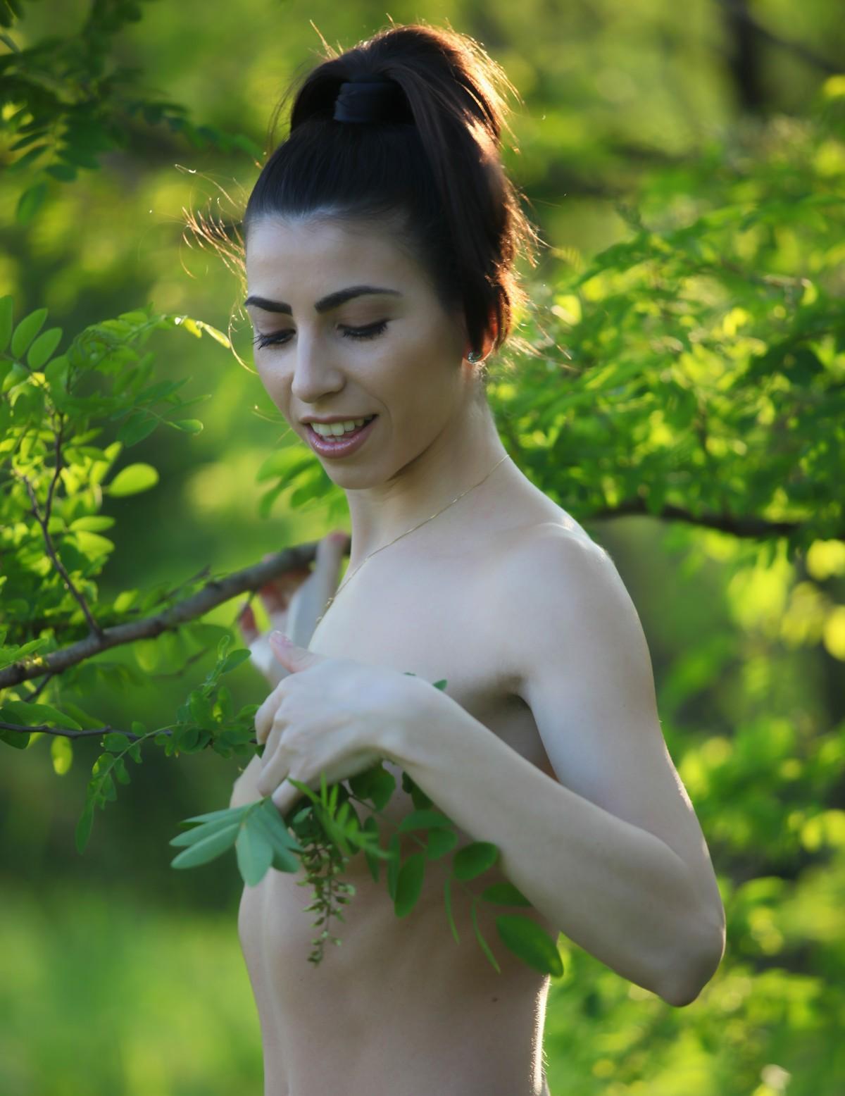 Green girls nude