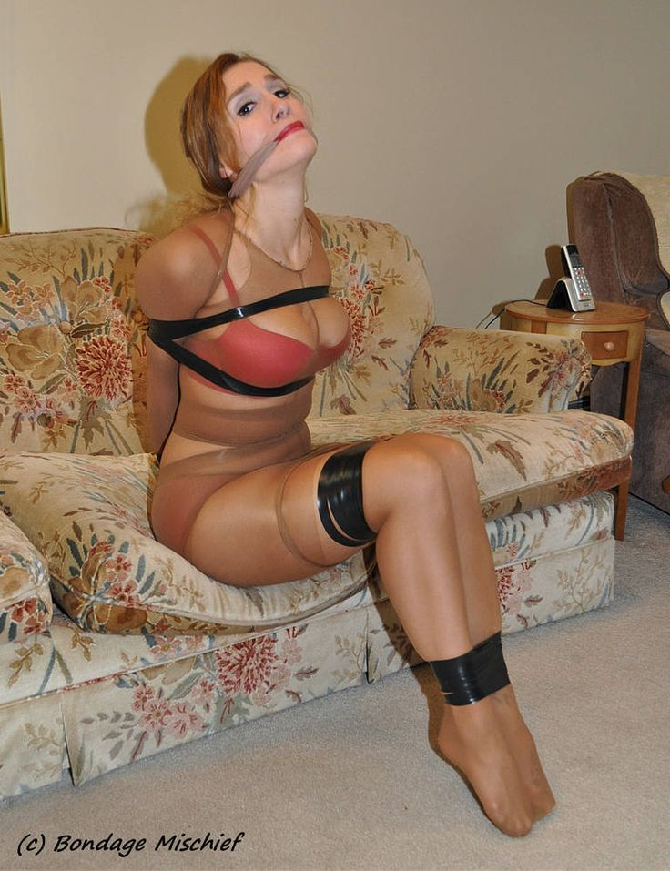 Mature pantyhose tied up