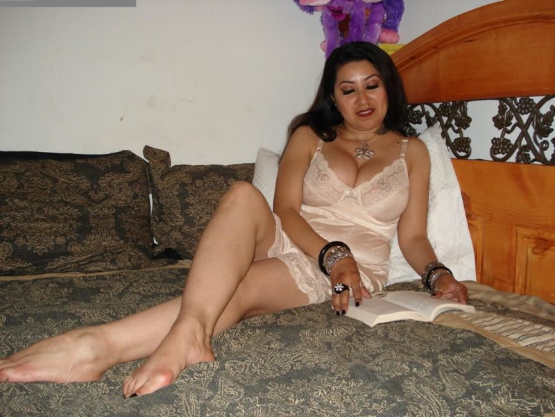 nighty desi hot bhabi in